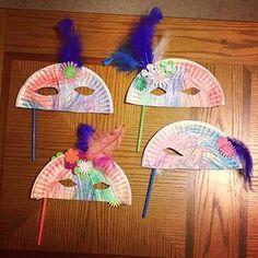 face mask tinker with children carnival craft ideas] - DIY - Basteln mit Kindern - Easy Crafts For Kids, Toddler Crafts, Crafts To Do, Projects For Kids, Diy For Kids, Arts And Crafts, Paper Plate Masks, Paper Plate Crafts, Paper Plates
