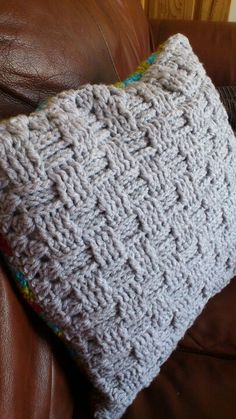Basket weave crochet cushion cover