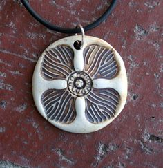 6d35a91c11b8756f60f09a96a14d2434--porcelain-jewelry-porcelain-clay.jpg (570×588)