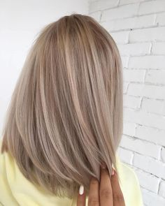 Cool toasted almond tones on blonde hair hair color blonde How To Tone Your Blonde Hair At Home Hair Dye Colors, Cool Hair Color, Brown Hair Colors, Beige Hair Color, Yellow Hair, Hair Colors For Blondes, Beige Blonde Hair Color, Subtle Hair Color, White Hair