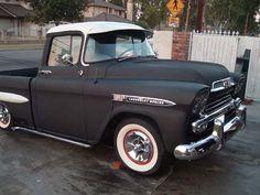 1959 CHEVY APACHE FLEETSIDE SHORTBED.       My dream truck. Bad ass !!