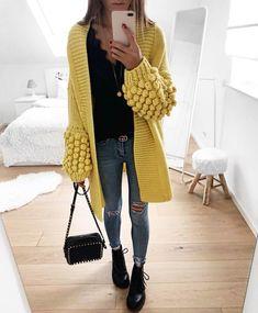 Купить вязаный кардиган Лало,шапки ручной работы Crochet Coat, Crochet Jacket, Knit Jacket, Crochet Cardigan, Crochet Clothes, Winter Pullover Outfits, Winter Mode Outfits, Winter Fashion Outfits, Knit Fashion