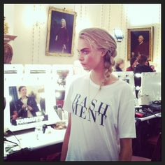 Cara Delevingne in Unisex Bashment Tee. Cara Delevingne, Dressing, Street Style, T Shirts For Women, Unisex, Tees, How To Wear, Outfits, Fashion