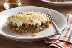 Homestyle Shepherd's Pie recipe - This is a great way to use leftover mashed potatoes! Microwave 2 cups mashed potatoes in covered microwaveable container on HIGH 2 to 4 min. or until heated through b (Baking Potato Microwave) Kraft Recipes, Pie Recipes, Cooking Recipes, Yummy Recipes, Cooking Pork, Cookbook Recipes, Cream Recipes, Cheese Recipes, Dinner Recipes