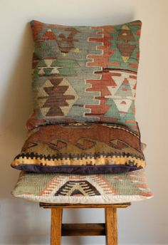 Kilim Pillow Covers - In my living room Southwest Decor, Southwestern Style, Cushion Covers, Pillow Covers, Kilim Pillows, Throw Pillows, Gold Home Decor, Deco Boheme, Soft Furnishings