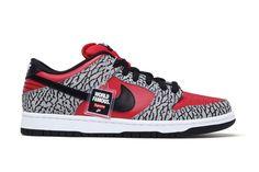 size 40 fc899 93ded Supreme Nike SB Dunk Low 1 Asics Shoes, Nike Shoes, Men s Shoes, Nike