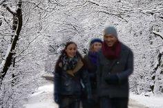 Dilan Yurdakul, Everon Jackson Hooi & Inge Scharma in de sneeuw.