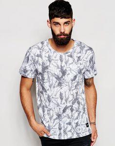 Imagen 1 de Camiseta con estampado de plumas en toda la prenda de Only & Sons