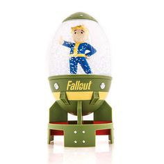 The Fallout Fat Man Vault Boy Snow Globe should be a part of your holiday decor. Vault Boy is depicted here giving you the thumbs up from within a mini nuke. Fallout Props, Fallout Art, Fallout New Vegas, Fallout Merch, Bomba Nuclear, Fallout Cosplay, Nuclear Winter, Vault Tec, Geek Decor