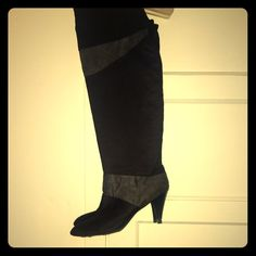 "{boutique} over the knee/knee high sueded boots Only worn once. Black & Grey sueded boots. Approx. 2 1/2 inch heel. Can be worn ""over the knee"" or knee high (just roll down the top). Super cute super comfy. no trades ✅all offer must go thru offer button thanks. Shoes Over the Knee Boots"