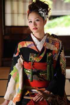 アップヘアと鶴かんざし / 引き振袖 色彩松鶴