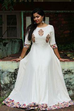 Kalamkari Dresses, Ikkat Dresses, Churidhar Designs, Blouse Designs, Frock Models, Gown Party Wear, Frocks And Gowns, Dress Painting, Elegant Saree