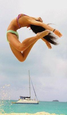 Faire du trampoline pour être bien dans son corps et ça se voit. Essayez ! http://www.france-trampoline.com