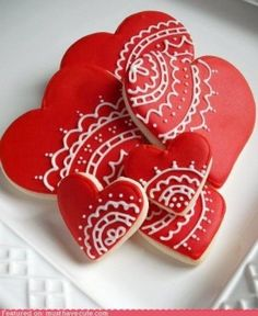 <3 VALENTINE'S day cookies - hearts - food - sweets - red / white - love <3