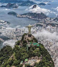 Via @myexterior - Rio de Janeiro Photo: @ai.visuals by vouge_official https://www.instagram.com/p/BA66oG1DfEF/ via https://instagram.com/hotelspaschers