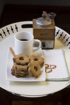 Gluten Free Chestnut Cookies with Coffee ~ via this blog, Tortadirose.