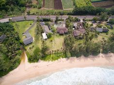 House in Laie, United States. Property Highlights Oceanfront Basketball Court Volleyball Court Huge yard Spacious Close to Polynesian Cultural… Spring Break Dates, Hawaii Vacation Rentals, Beachfront Property, Great Vacations, Renting A House, Ideal Home, Trip Advisor, The Good Place, Condo