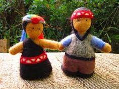 Pareja de mapuches. Felt Crafts, Diy And Crafts, Felt Fairy, Felt Dolls, Needle Felting, Projects To Try, Teddy Bear, Christmas Ornaments, Toys