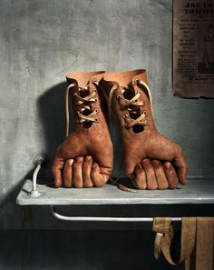 Cleverly Surreal Photography - Photographer Hugh Kretschmer Creates Thought-Provoking Imagery (GALLERY)