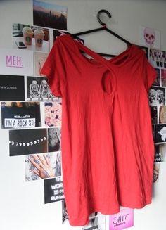 Kup mój przedmiot na #Vinted http://www.vinted.pl/kobiety/bluzki-z-krotkimi-rekawami/9726042-czerwona-bluzka-36-bershka-fajny-tyl