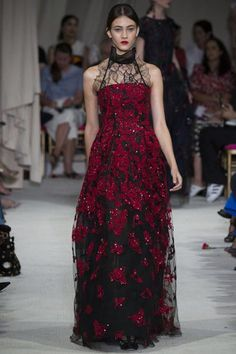 See every gown from Oscar de la Renta Spring 2016