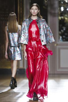YDE Women Fashion Show Ready to Wear Collection Spring Summer 2017 in Paris