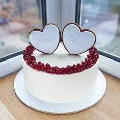 Kim K Cake – Cake Decororations Cute Cakes, Pretty Cakes, Beautiful Cakes, Amazing Cakes, Happy Anniversary Cakes, Wedding Anniversary Cakes, Wedding Cakes, Fondant Cakes, Cupcake Cakes