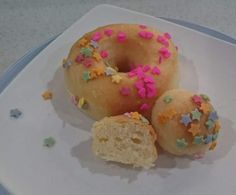 Recipe Baked Glazed Donuts (like Krispy Kreme) by Staceythomas, learn to make this recipe easily in your kitchen machine and discover other Thermomix recipes in Baking - sweet. Other Recipes, My Recipes, Baking Recipes, Sweet Recipes, Donut Recipes, Snack Recipes, Snacks, Krispy Kreme Glazed Donut, Bellini Recipe