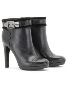 mytheresa.com - Tory Burch - BELINDA LEATHER ANKLE BOOTS - Luxury Fashion for Women / Designer clothing, shoes, bags - StyleSays