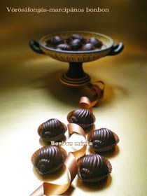 Bonbon mánia: Vörösáfonyás-marcipános bonbon Lollipop Candy, Cookies, Chocolate, Cake, Recipes, Handmade, Macaron, Organize, School