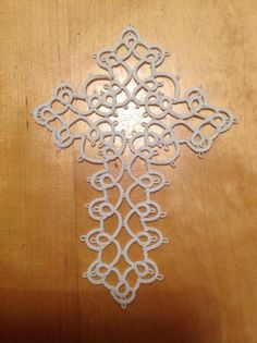 MK's Tatted Cross: Tatting With Visual Patterns