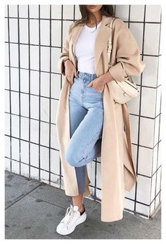 Casual Winter Outfits, Winter Fashion Outfits, Classy Outfits, Look Fashion, Stylish Outfits, Fall Outfits, Woman Fashion, Long Beige Coat, Beige T Shirts