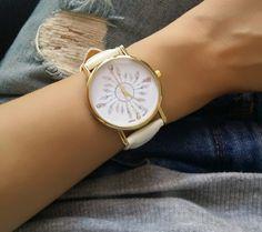 La montre tendance du moment! Idée cadeau à retenir! Superbe montre…