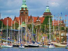 Szczecin // Do you want to visit Szczecin? Places Around The World, Travel Around The World, Around The Worlds, Heart Of Europe, Historical Monuments, Countries To Visit, Beautiful Places, Amazing Places, Modern City
