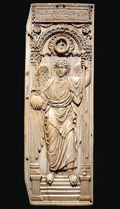 San Miguel arcángel, placa de marfil s. VI.