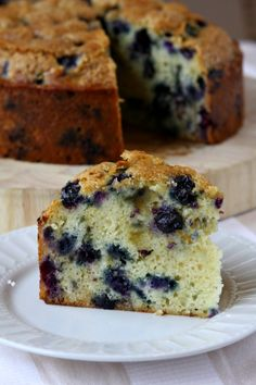 Buttermilk Blueberry Cake Recipe From Woman's Day January 2012 issue (Culinary… Blueberry Desserts, Blueberry Cake, Just Desserts, Delicious Desserts, Yummy Food, Delicious Cookies, Cupcakes, Cupcake Cakes, Sweet Recipes