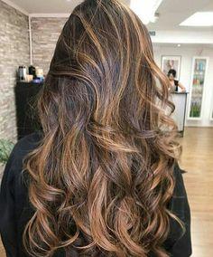 Wedding Dress Silhouette, Curly Hair Styles, Stylists, Wattpad, Bridal, Wedding Dresses, Beauty, Women, Curly Bob Hair