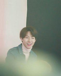 huang renjun // NCT // he looks so smol and soft uwu Nct 127, K Pop, Johnny Seo, K Wallpaper, Dream Chaser, Huang Renjun, Lucas Nct, Jung Woo, Ji Sung