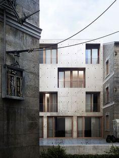 Nadau Lavergne est une agence d'architecture et d'urbanisme fondée en 2008. Organisée autour de deux ateliers, Paris et Bordeaux, Nadau Lavergne est reconnu pour sa capacité à articuler les échelles urbaines et architecturales de l'unité de vie jusqu'au grand territoire.