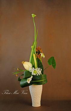 http://www.artmajeur.com/fr/esearch?q=thai+mai+van  ikebana by thai thomas Mai Van