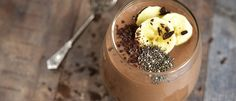Chocolate and Banana Smoothie Chocolate Chia Seed Pudding, Chocolate Flavors, Vegan Chocolate, Protein Smoothies, Smoothie Recipes, Whey Protein, Sweet Potato Hummus, Sweet Potato Recipes, Bananas