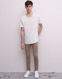 SLIM FIT FIVE POCKET TROUSERS  - TROUSERS AND SHORTS - MAN - PULL&BEAR Spain