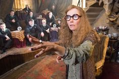 This is when Harry sees Dumbledore's memories in Half Blood Prince, Voldemort comes to Hogwarts to ask for a job. Dumbledore tells Voldemort he knows all about Harry Potter Fan Theories, Harry Potter Kostüm, Harry Potter Characters, Potter Facts, Emma Thompson, Lord Voldemort, Harry Potter Halloween Costumes, Hogwarts Professors, Fans