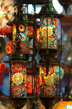 """Lamps of Grand Bazaar, Istanbul- more tissue paper """"stained glass"""" inspiration Mosaic Art, Mosaic Glass, Stained Glass, Glass Art, Grand Bazaar Istanbul, Istanbul Tours, Lampe Art Deco, Turkish Lamps, Deco Retro"""