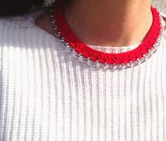 Red necklace, handmade cuff by me Red Necklace, Italy Fashion, Mickey Mouse, Crochet Necklace, Street Style, Jewels, Chain, Denim, Knitting