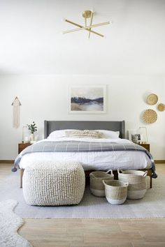 Young adult bedroom ideas / Cute small bedroom decor for teen girls.bedding for young female / woman.bedroom ideas for young lady in their Easy Home Decor, Home Decor Bedroom, Cheap Home Decor, Bedroom Lamps, Bedroom Chandeliers, Bedroom Lighting, Wall Lamps, Bedroom Wall, Bedroom Furniture