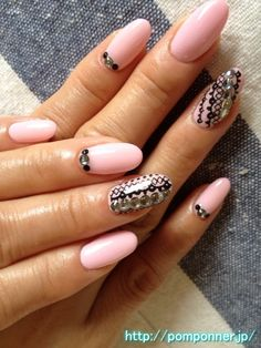 Baby pink nail art paint one color (pattern race)    ベビーピンクの一色塗りネイル(レース)    nailsalon pomponner
