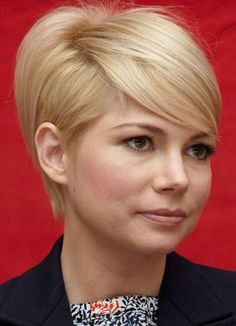 This hairstyle has something to make your look lively. Play with your texture by adding some layers. retro cuts have always a classic and timeless look. Many women can flatter with this short blonde haircut. #Allhairstylesblog #BlondeShortHairstyles #BlondeShortHairstylespixies #BlondeShortHairstylesmedium #BlondeShortHairstylespopularhaircuts #BlondeShortHairstylesafricanamerican