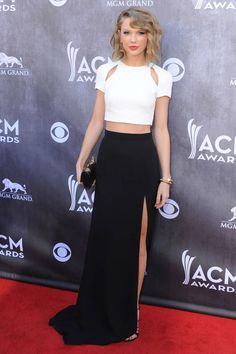 Taylor Swift made a crop top and maxi skirt look totally red-carpet chic at the American Country Music Awards. #AMCAwards