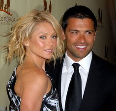 kelly rippa and husband | Kelly Ripa and Mark Consuelos HOT Red Carpet Photos - Bitten and Bound